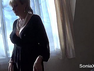 Inglorious british matured lady sonia flashes her chunky knockers